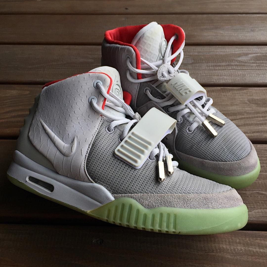 c8ed35f100d PURE PLATINUM Nike Air Yeezy 2