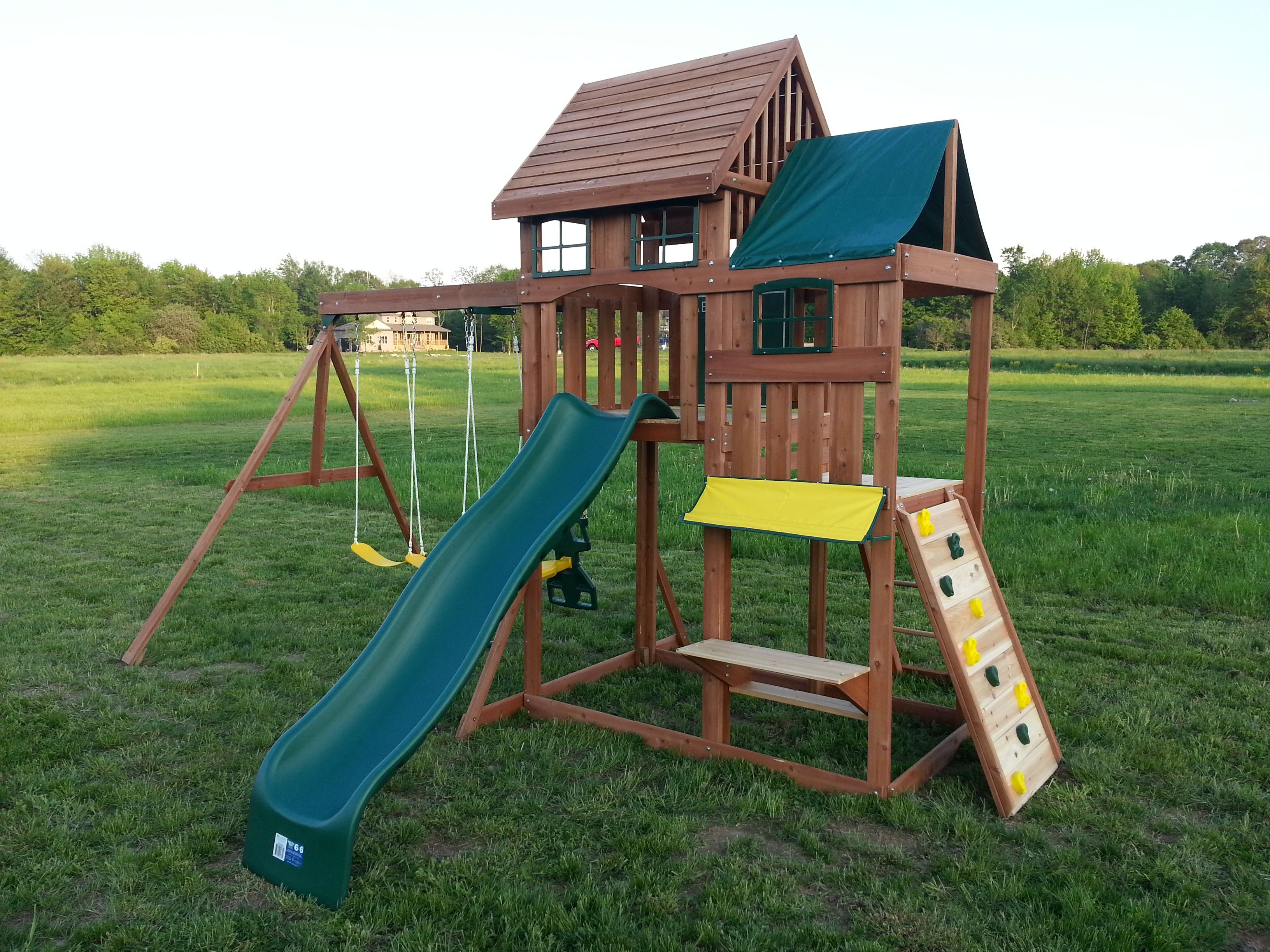Canadian tire play structure residential play structures for Tire play structure