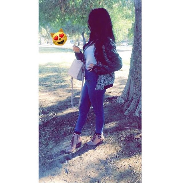 Anupriya Girl Photo Poses Snapchat Girls Stylish Girls Photos