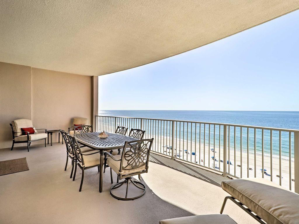 Enjoy the Gulf at this beachfront 2bedroom, 2.5bath
