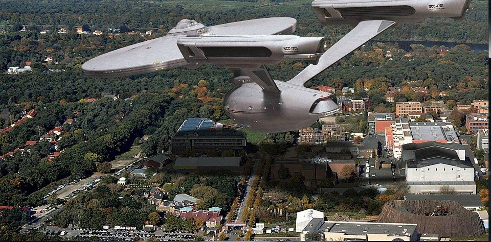 Enterprise flying over town. Beam me up, please! :)