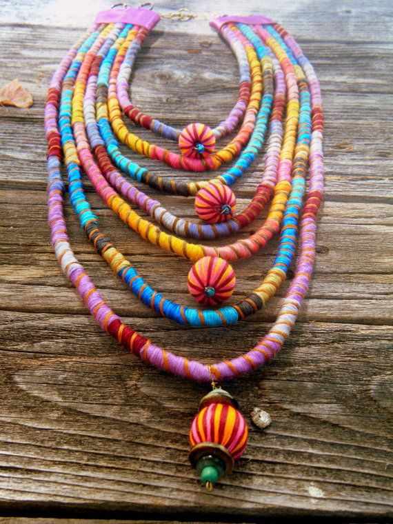 MADE TO ORDER Maharani Multi Strand Fiber Necklace por OneManTrash