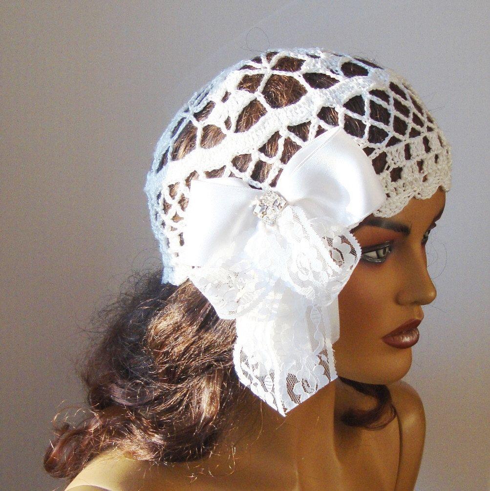 Entusiasta di condividere questo articolo dal mio negozio #etsy: Cappello di pizzo bianco a mano all'uncinetto per sposa …