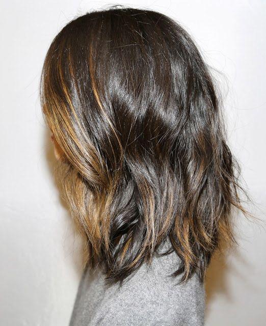 Luzes sutis na frente e nas pontas.. com o cabelo curto.. amo muito!