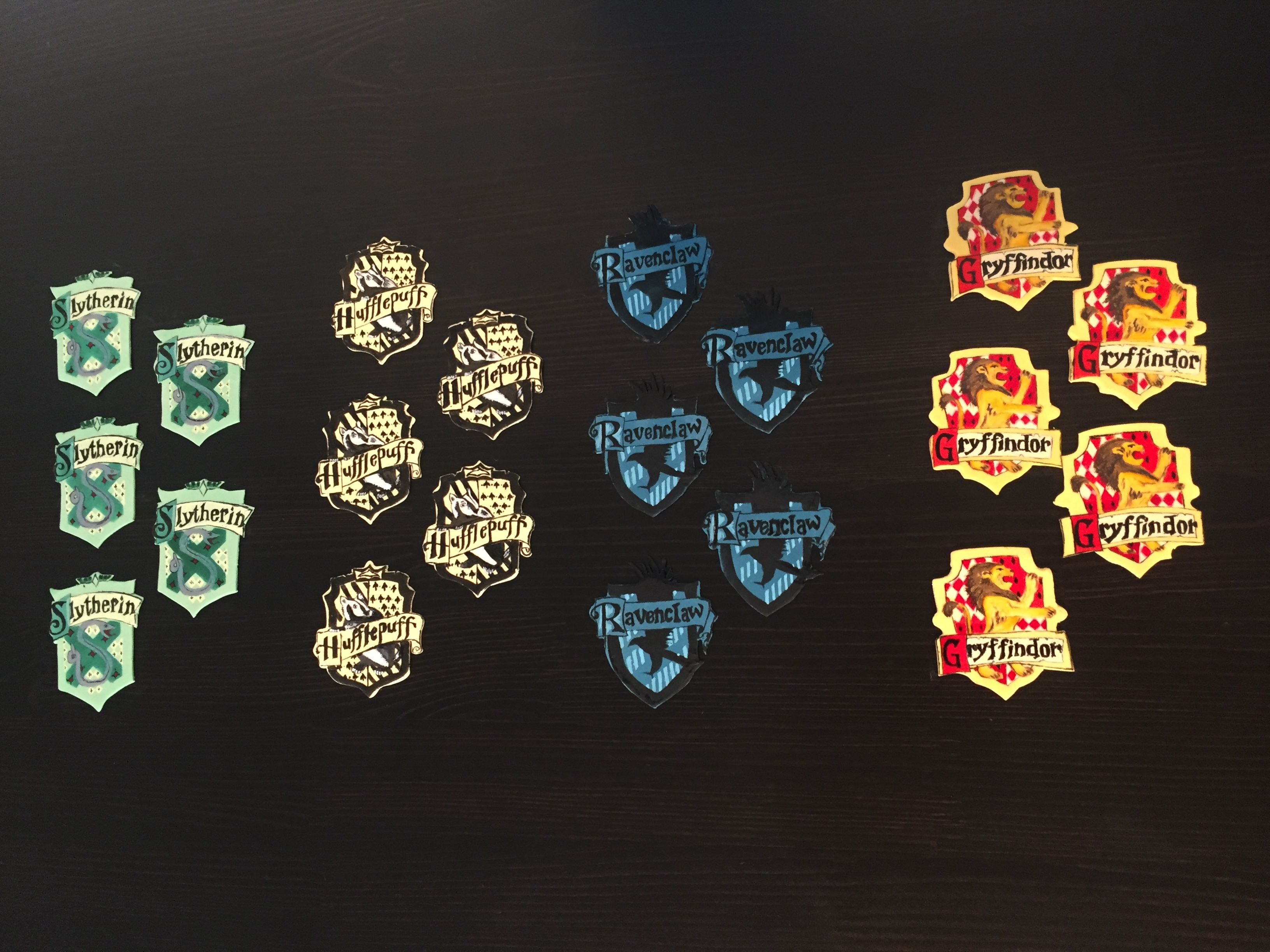 Harry potter house crest cupcake toppers
