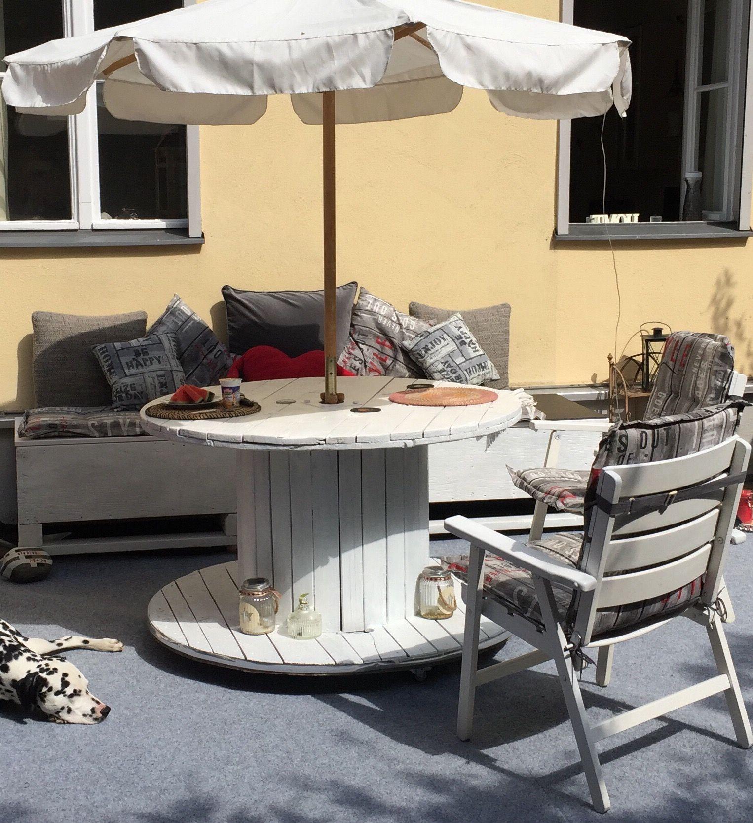 Kabeltrommeltisch Gartentisch Tisch Gartenmobel Urban White Gardening Kabeltrommel Weiss Mobel Aus Paletten Kabeltrommel Tisch Mobel