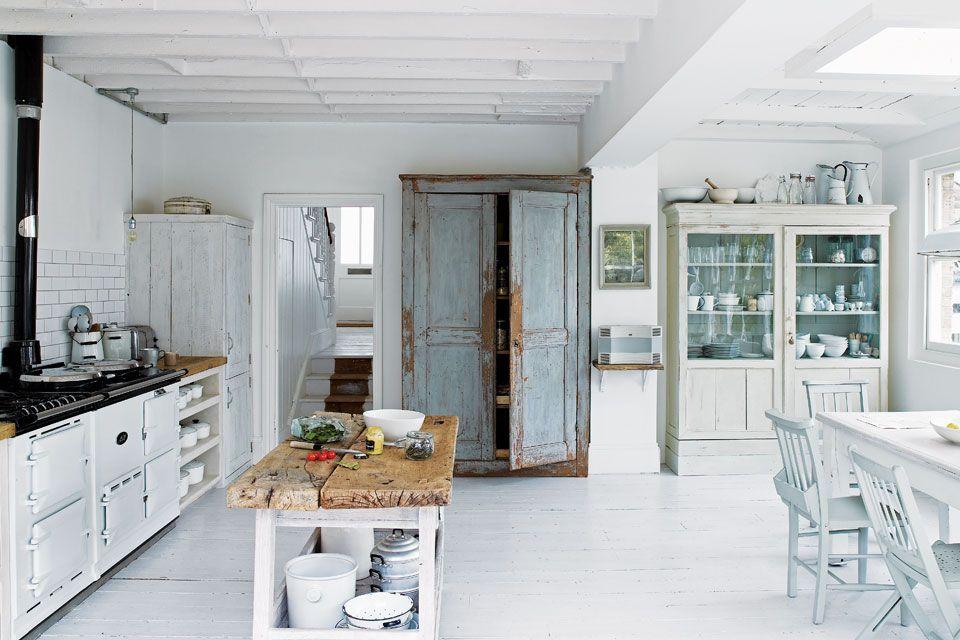 Una casa decorada para enamorarse | Cocinas rústicas, Alacena y El ...