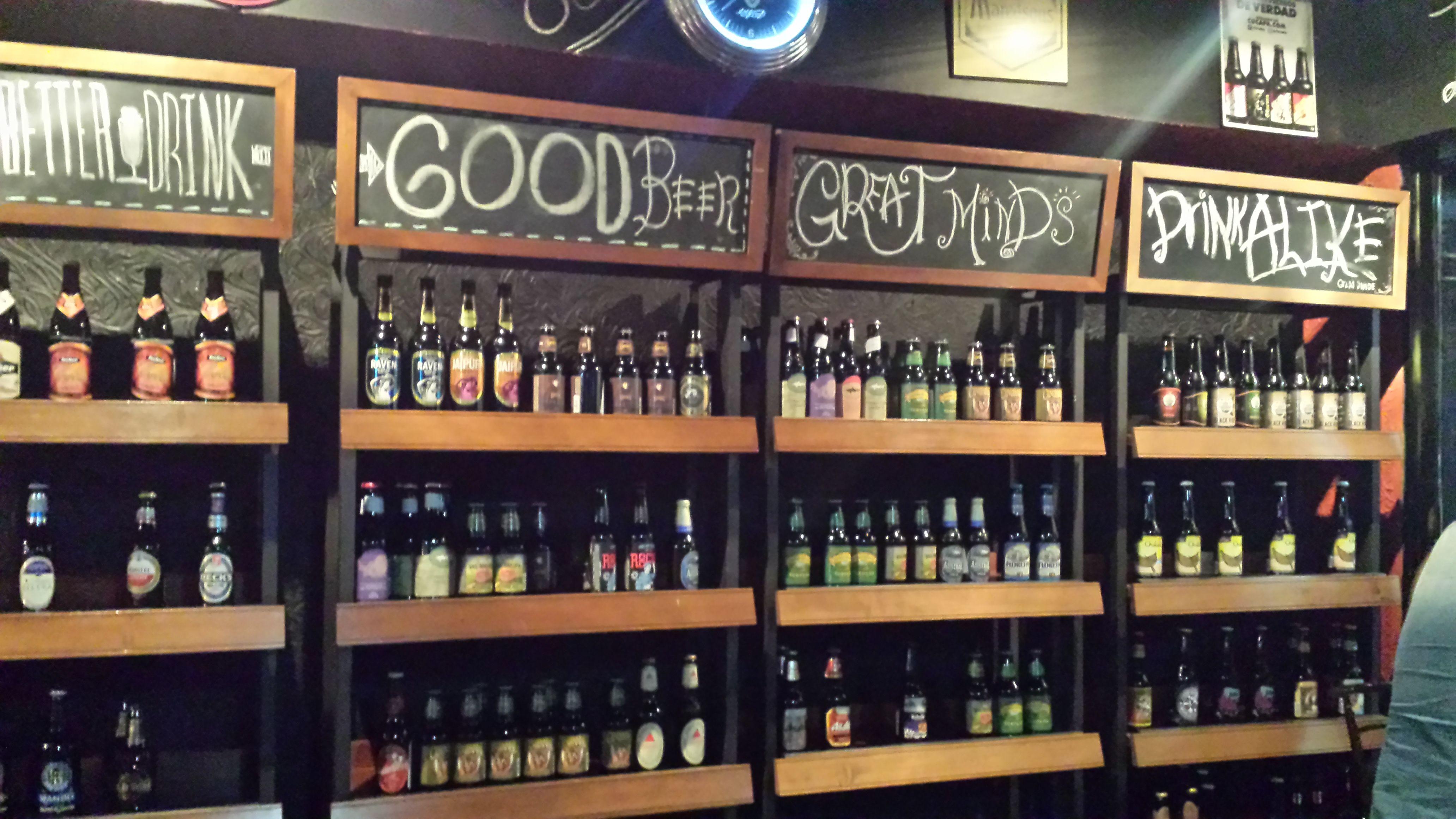 Local De Venta De Cerveza Buscar Con Google Beer Shop Beer Store Liquor Store