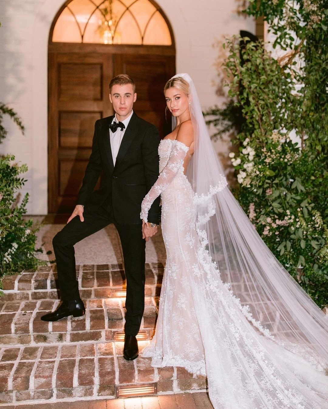 The Biebers Wedding Justin Bieber Hailey Bieber Wedding Dresses Hailey Bieber Wedding Celebrity Wedding Gowns