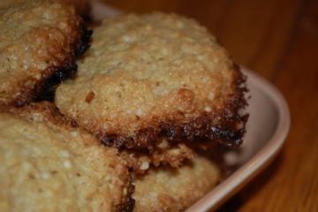 Crispy Quinoa Cookies (Wheat-Free)