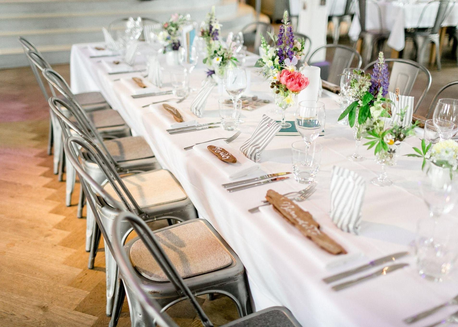 Tisch Dekoration & Tischkarten aus Schwemmholz | Hochzeits ...