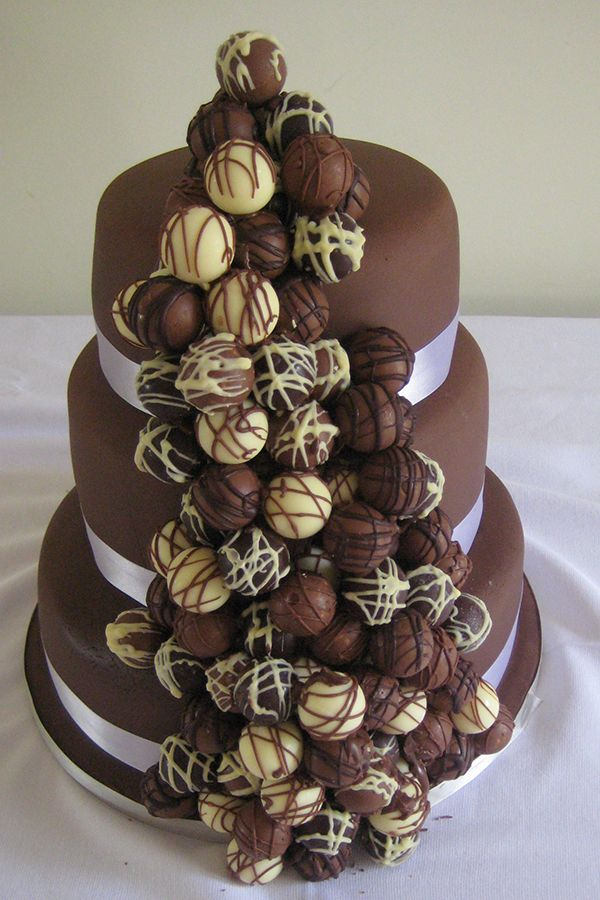 how to make a 3 tier chocolate wedding cake 3 tier chocolate cake lowes of cakes food 15775