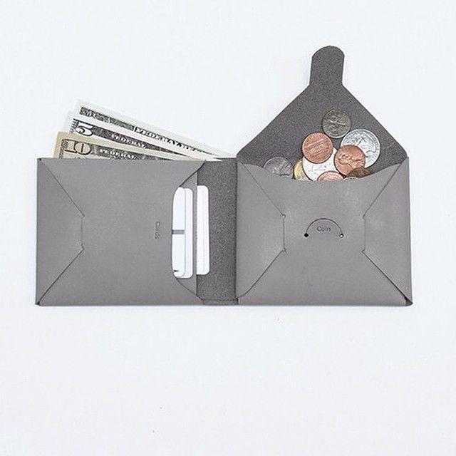 DIY: Seamless Folding Wallet
