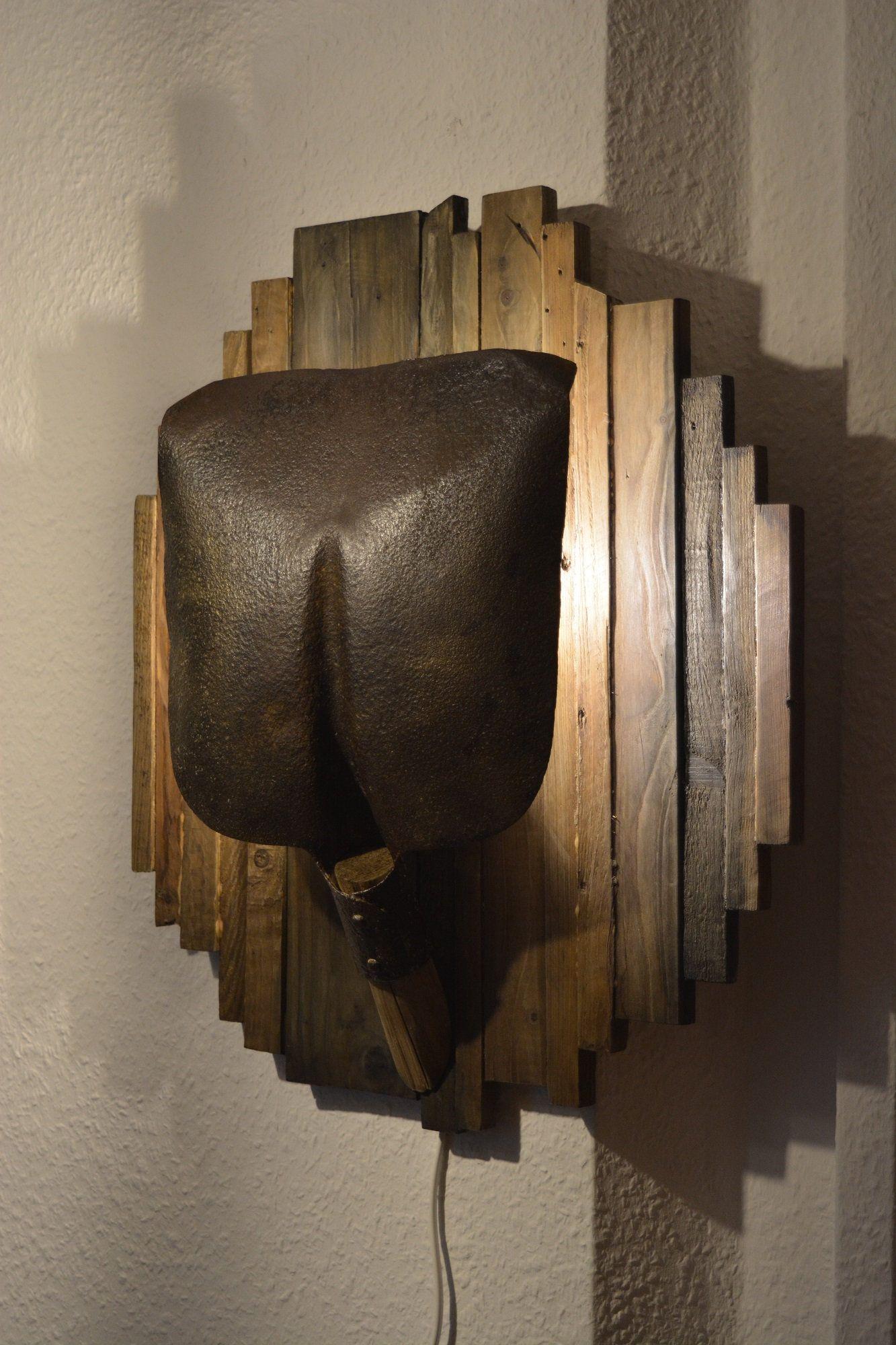 wandlampe aus einer alten schaufel und altholz von ochalikhandcrafted auf etsy diy in 2019