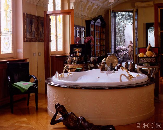 16 Dreamy Celebrity Bathrooms