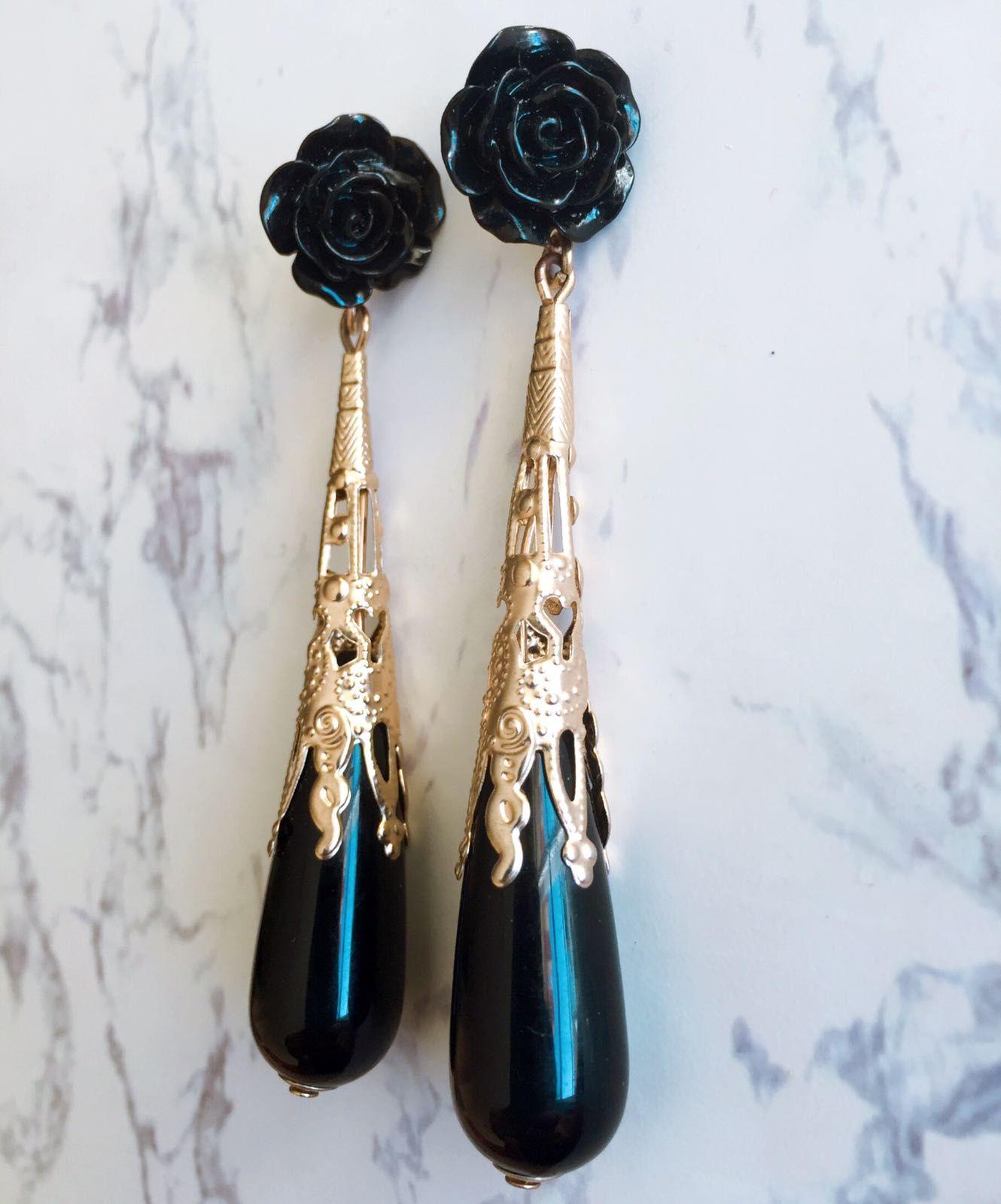 c0ba6d2911d0 Pendientes clásicos de flamenca hechos a mano. Pendientes negros con rosa  de resina