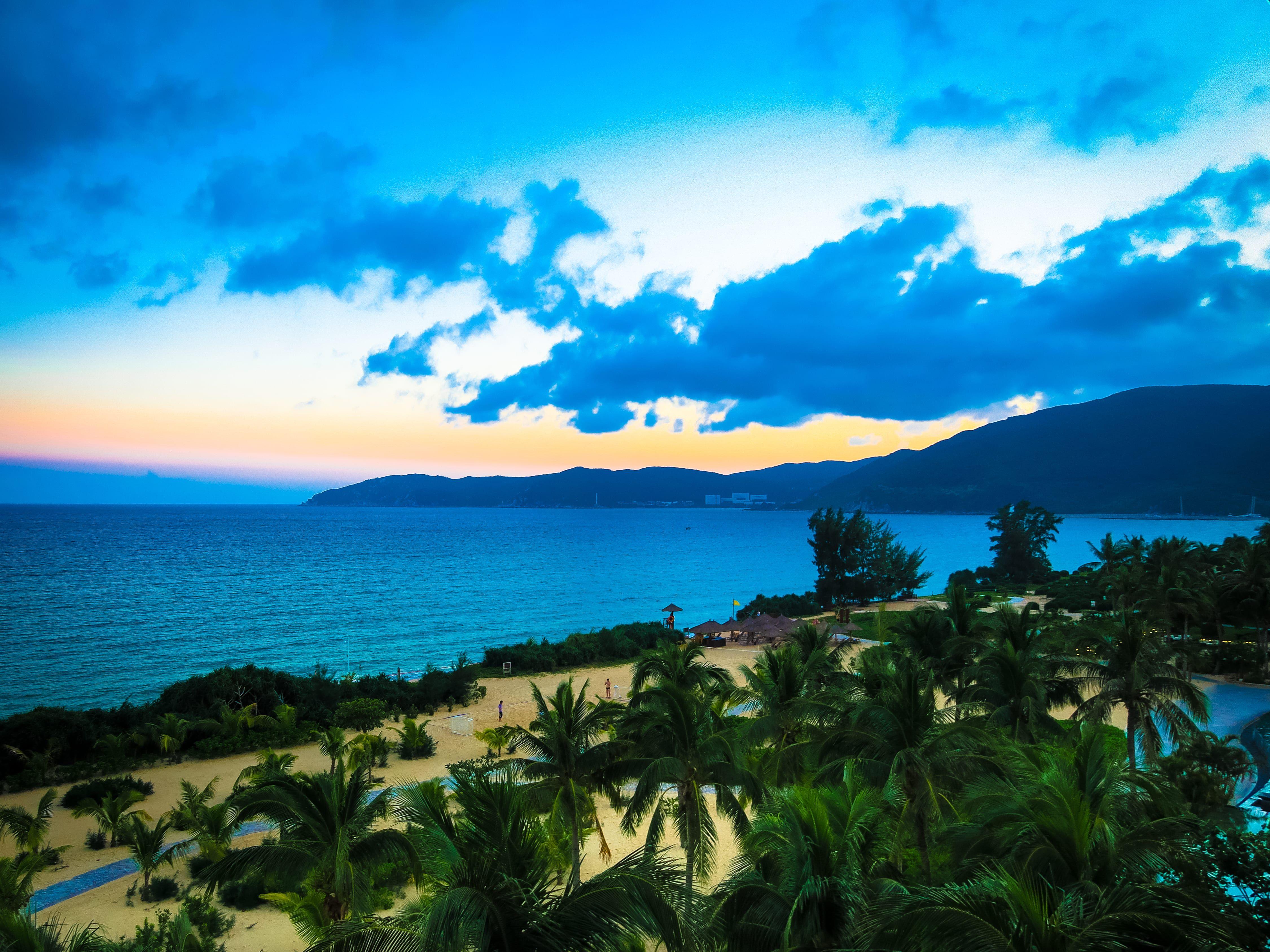 Visit The Exclusive Beach In The Ritz Carlton Sanya Yalong
