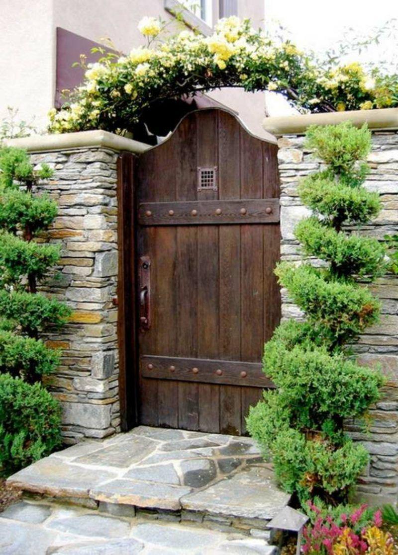 Gartentor Holz Massive Tur Gartentur Aus Holz Sichtschutz Mauer