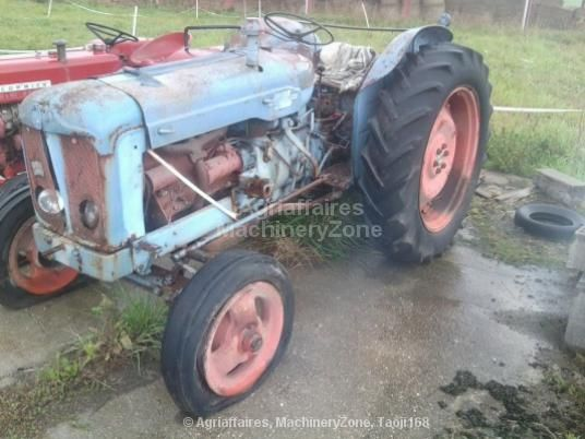 tracteur de collection fordson super major vendre 600 eur 1960 agriaffaires fordson. Black Bedroom Furniture Sets. Home Design Ideas