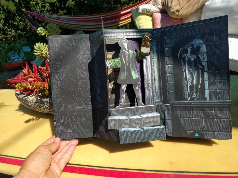 """Edgar Allan Poe's """"The Raven"""" - the pop-up book edition 