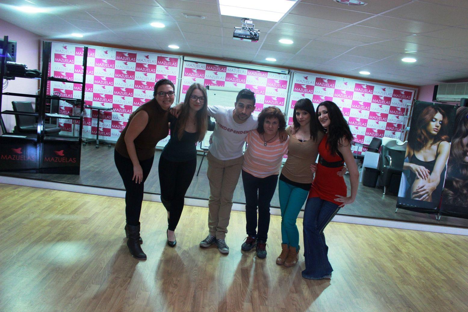 El Equipo Flashmob ya está listo - Flashmob #maquillaje