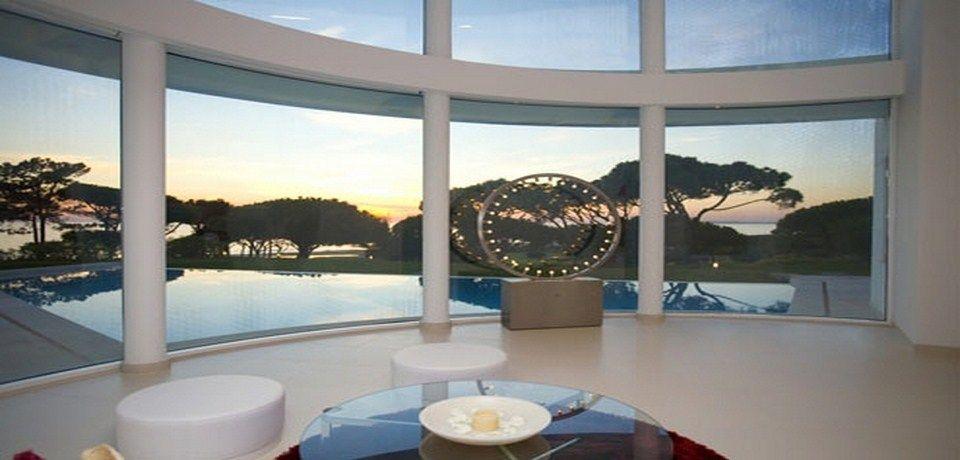 Moderne Villa mitten auf dem Golfplatz und am Strand