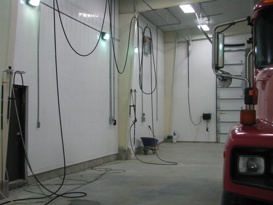Keep Your Car Wash Garage Walls In Good Condition By Installing Waterproof Garage Wall Panels In 2020 Washing Walls Wall Panels Garage Walls
