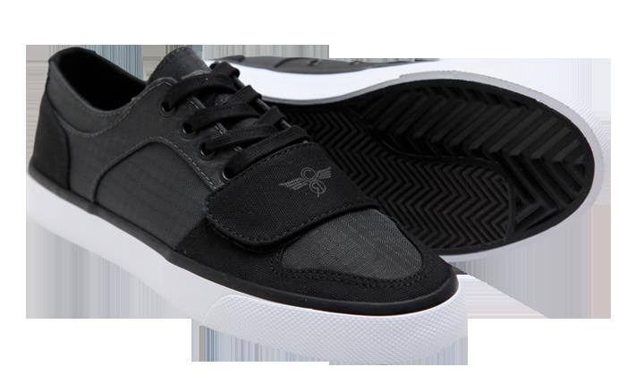 Creative Recs. | All black sneakers