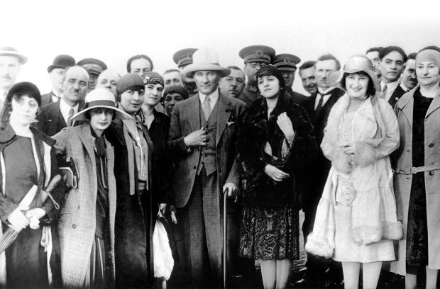 Atatürk'ün hiç görülmemiş fotoğrafları...