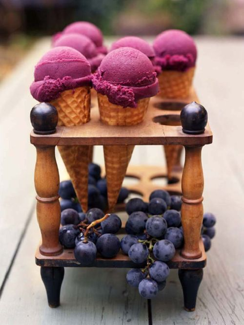 love this wooden ice cream holder!