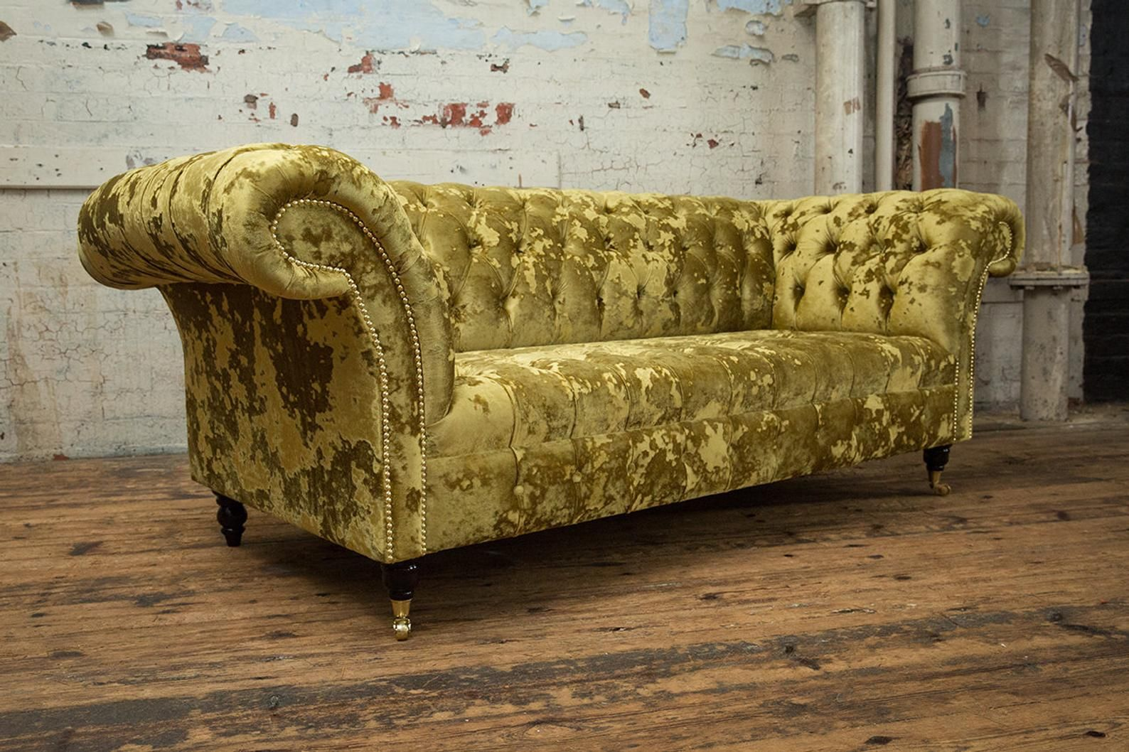 Unique British Handmade Gold Crushed Velvet 3 Seater Chesterfield Sofa Button Seat Chesterfield Sofa Design Chesterfield Sofa Velvet Chesterfield Sofa