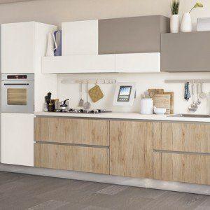 Cucine: tutto su una parete (o quasi)