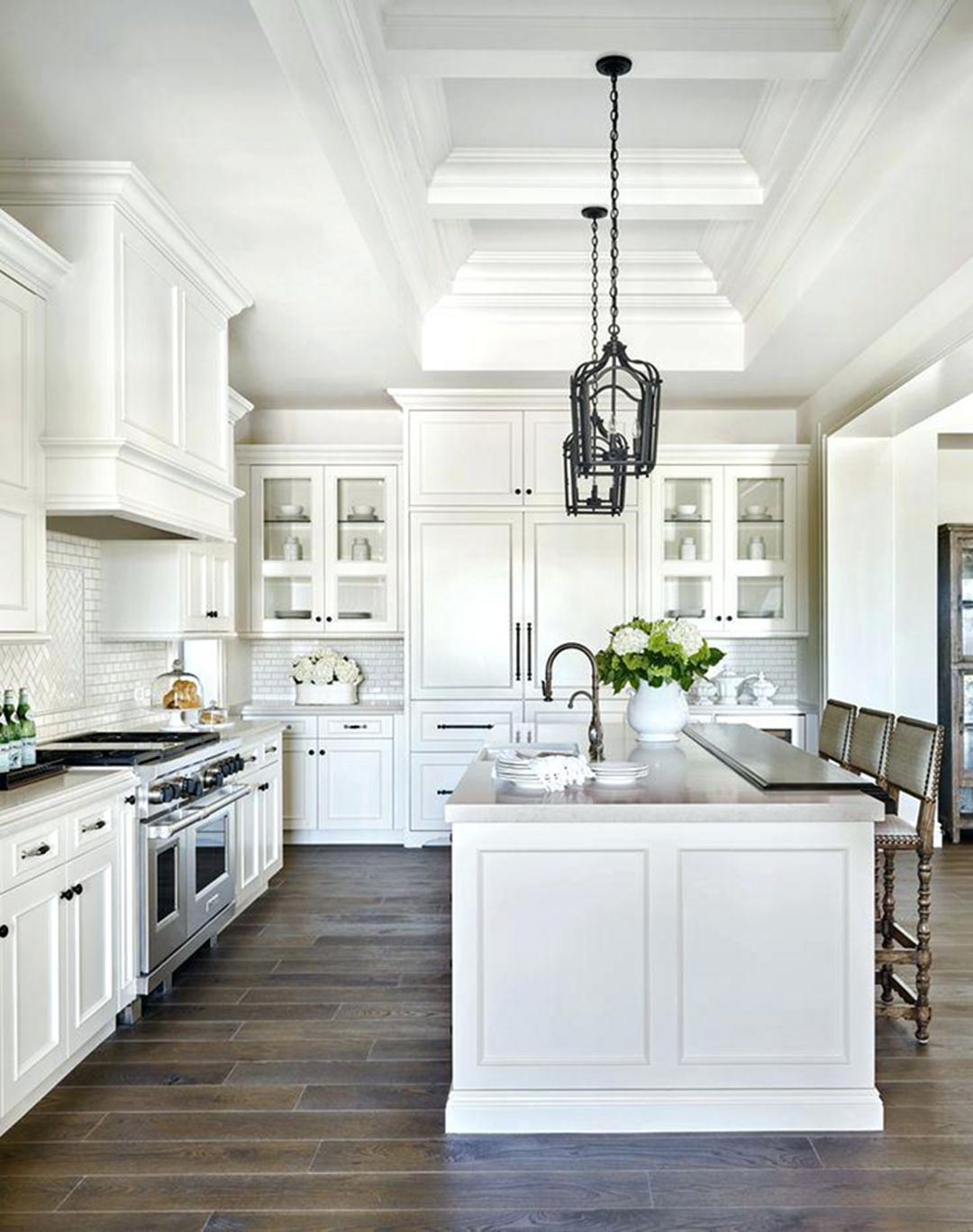 extraordinary kitchen ceiling designs | 33 Extraordinary All White Small Kitchen Ideas To Look ...