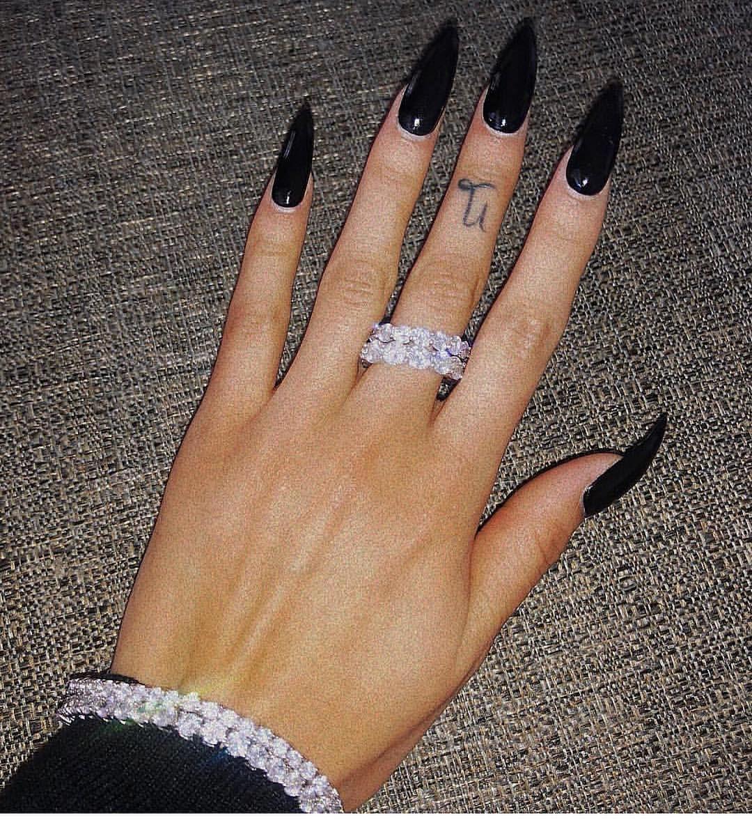 Pin By Joanna Andreeva On Nails In 2020 Black Acrylic Nails Goth Nails Dream Nails
