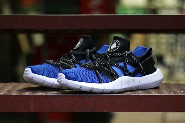 NIKE HUARACHE NM BLACK BLUE Sneaker Freaker