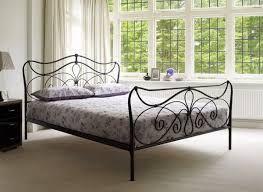 """Résultat de recherche d'images pour """"vintage bed"""""""