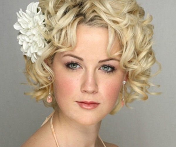 Not With The Flower My Hair Is Too Short To Put Into An Up Do Short Wedding Hair Short Hair Styles Short Wavy Hair