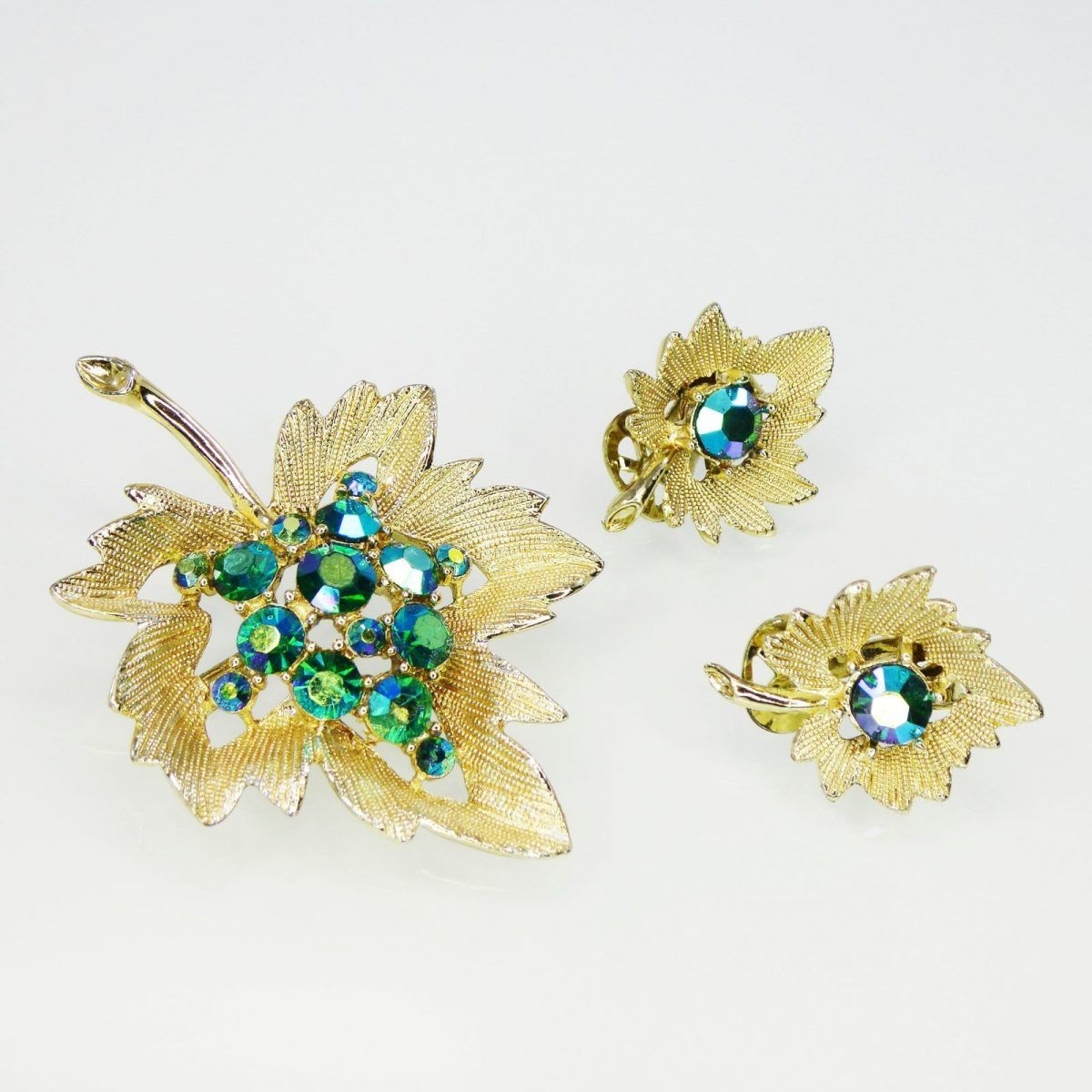 Rhinestone Leaf Brooch and Earrings Set, Green Aurora Borealis Rhinestones, Clip On Earrings & Pin Demi Parure, Vintage 1950's, Demi Parure #vintagerhinestone