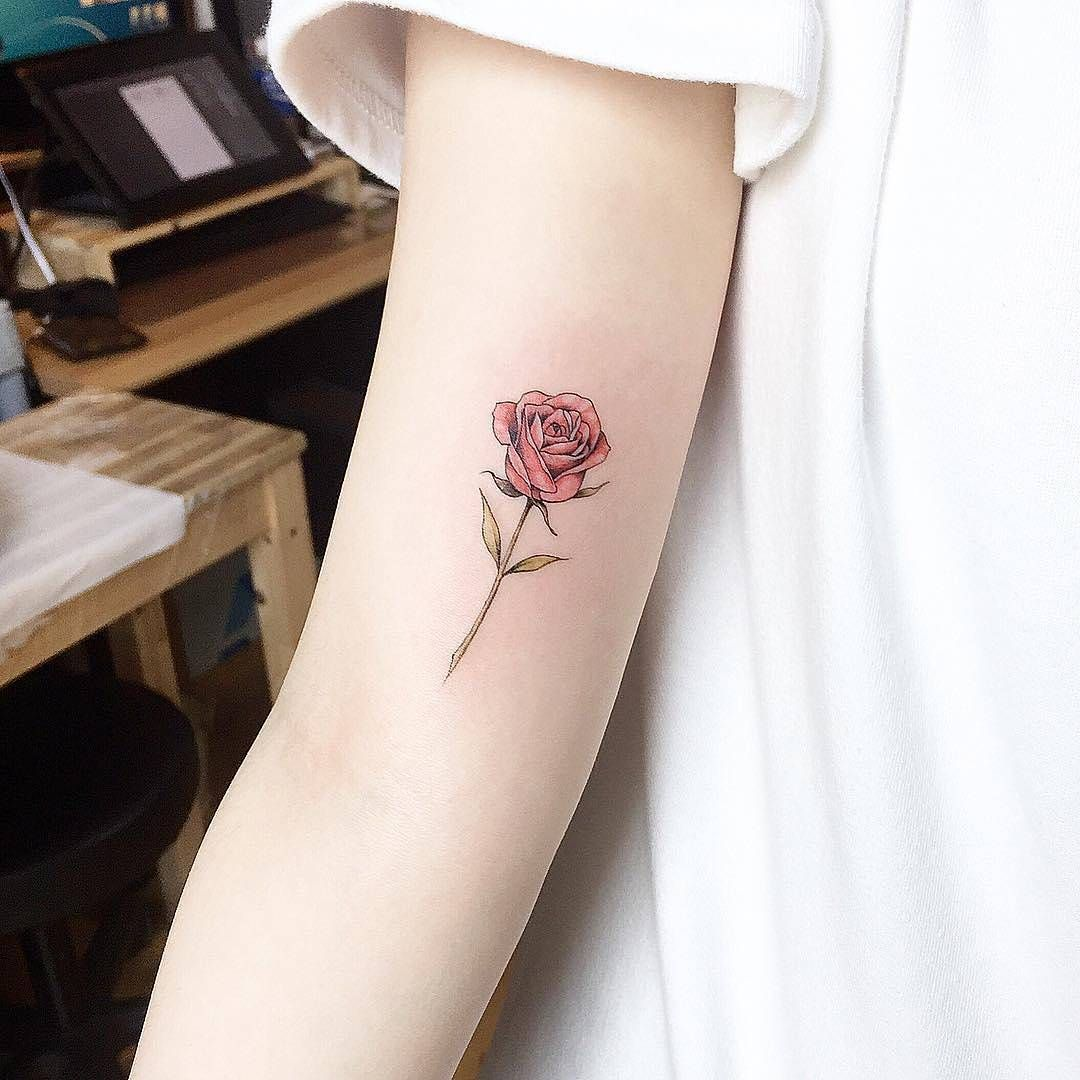 11 M Gostos 42 Comentarios Little Tattoos Little Tattoos No Instagram Red Rose By Tattooist Up S Small Rose Tattoo Red Rose Tattoo Tiny Rose Tattoos