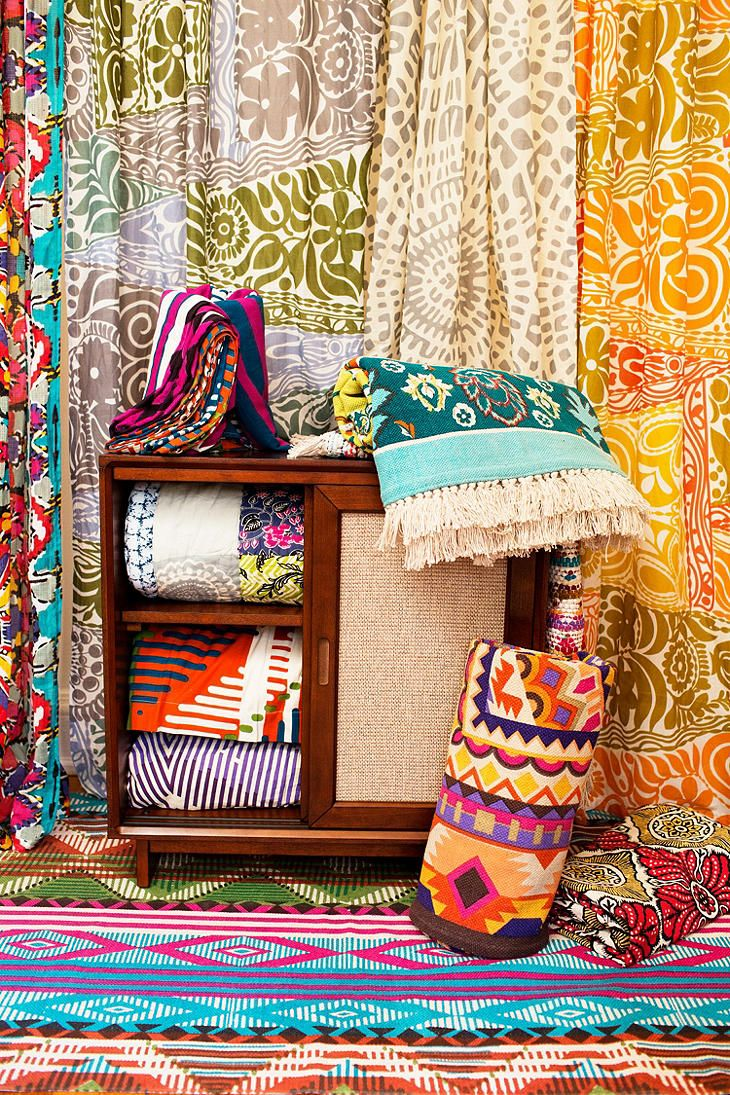 Colorful tapestries, indian Inspiration. More inspirations at http://www.brabbu.com/en/inspiration-and-ideas/ #LivingRoomFurniture #LivingRoomSets #ModernHomeDéc
