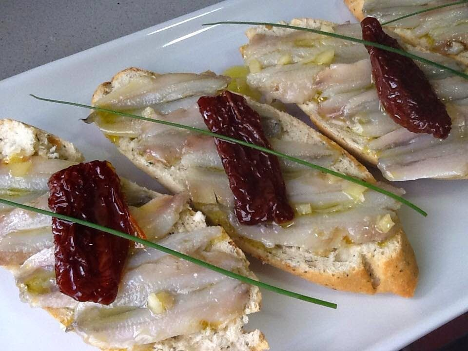 Como Cocinar Boquerones | Misamigoscocinan Tosta Con Boquerones Aperitivo Pinterest