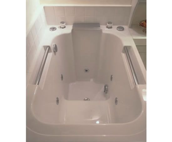 Imersa japanese style deep soaking tub bathroom ideas for Soaking tub deep
