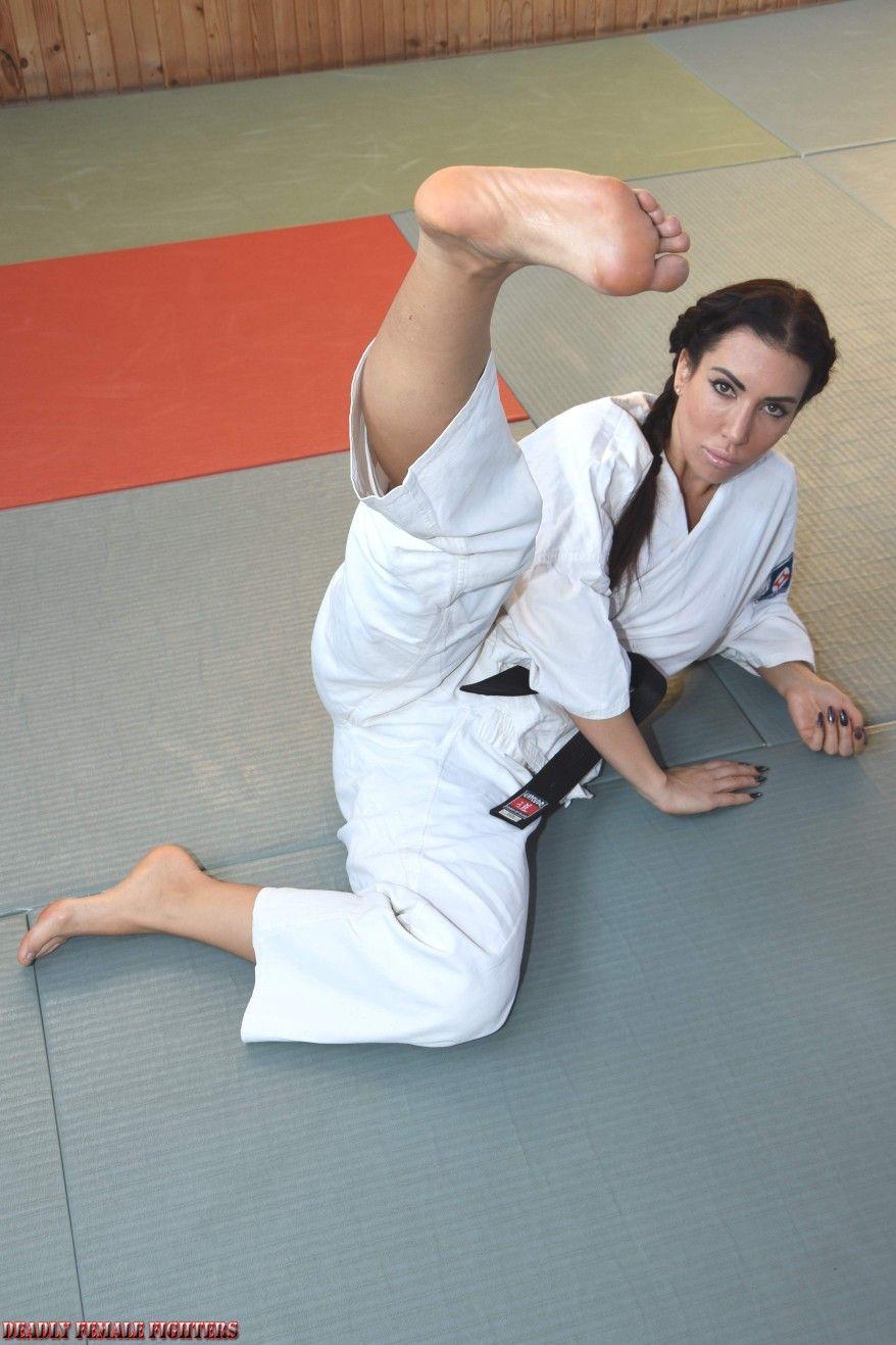 Karaté in 2020 Female martial artists, Martial arts girl