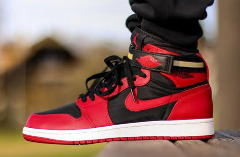 Air-Jordan-1-High-Strap-BRED-31