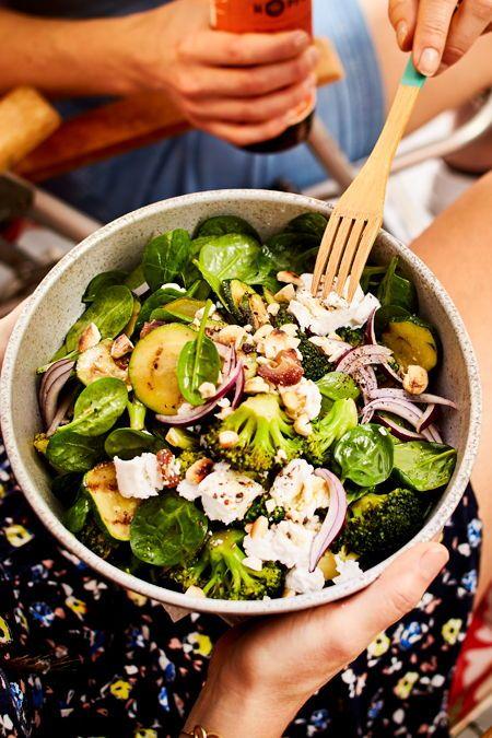 Brokkoli-Salat mit Cashewcrunch Rezept | LECKER