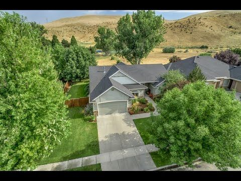 For Sale 4946 E Douglas Fir St Boise Id 83716 Templeton Real Estate Group Desirable Spring Creek Single Lev Idaho Homes For Sale Level Homes Douglas Fir