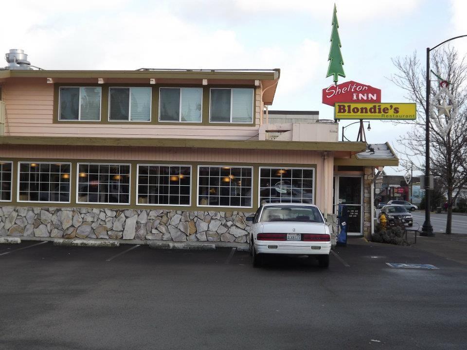 Blondies Restaurant At The Shelton Inn Outdoor Decor Dining Restaurant