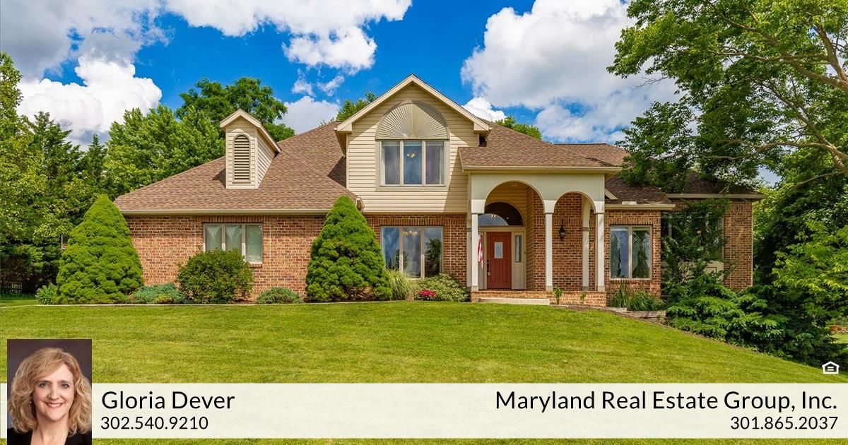 Gloria Dever Of Maryland Real Estate Group Just Listed 11015 Plumwood Circle Hagerstown Md 21742 Open House Su Maryland Real Estate Fireplace Set Patio Stones