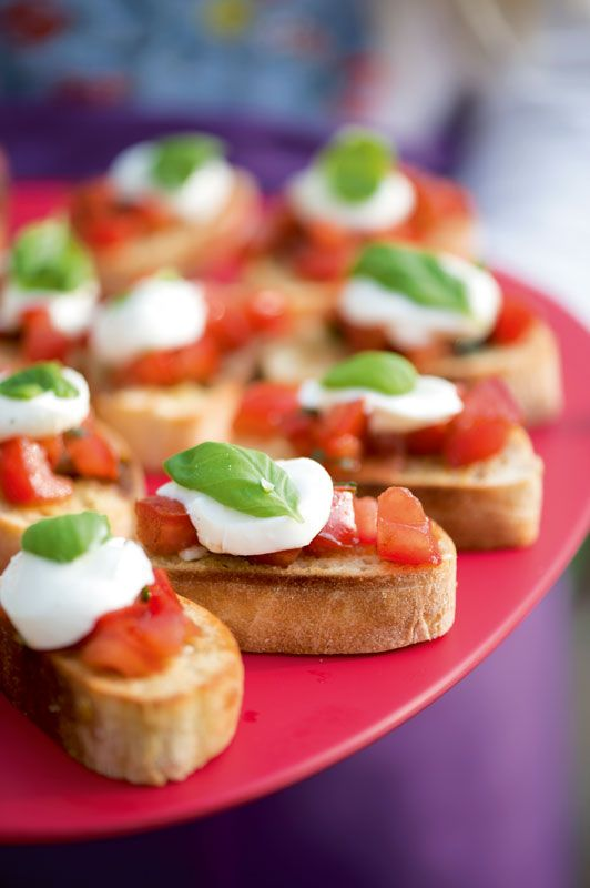 Bruschetta met tomaat en buffelmozzarella
