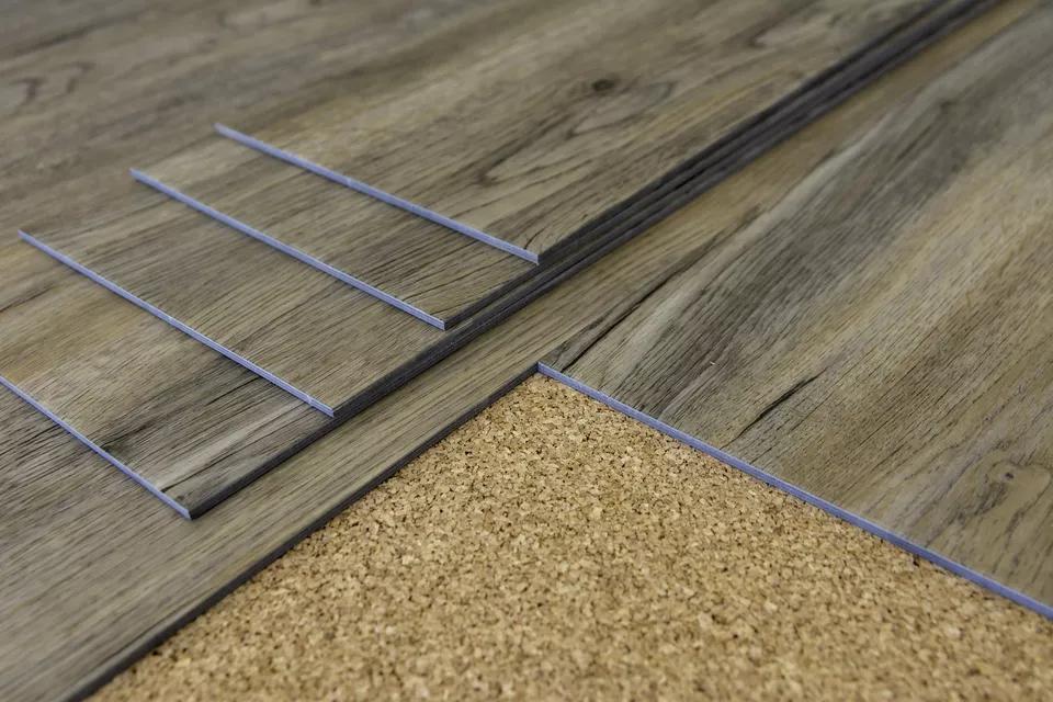 Vinyl Vs Laminate Flooring Comparison Guide In 2020 Vinyl Flooring Installation Vinyl Flooring Luxury Vinyl Plank Flooring